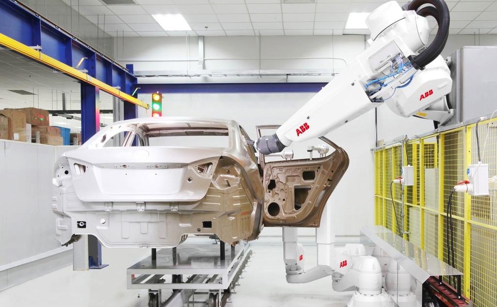 Raport IFR: rekordowa sprzedaż robotów w Polsce