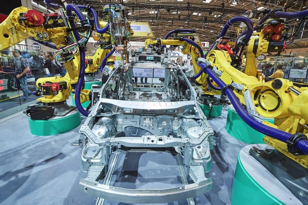 roboty FANUC w fabryce automotive