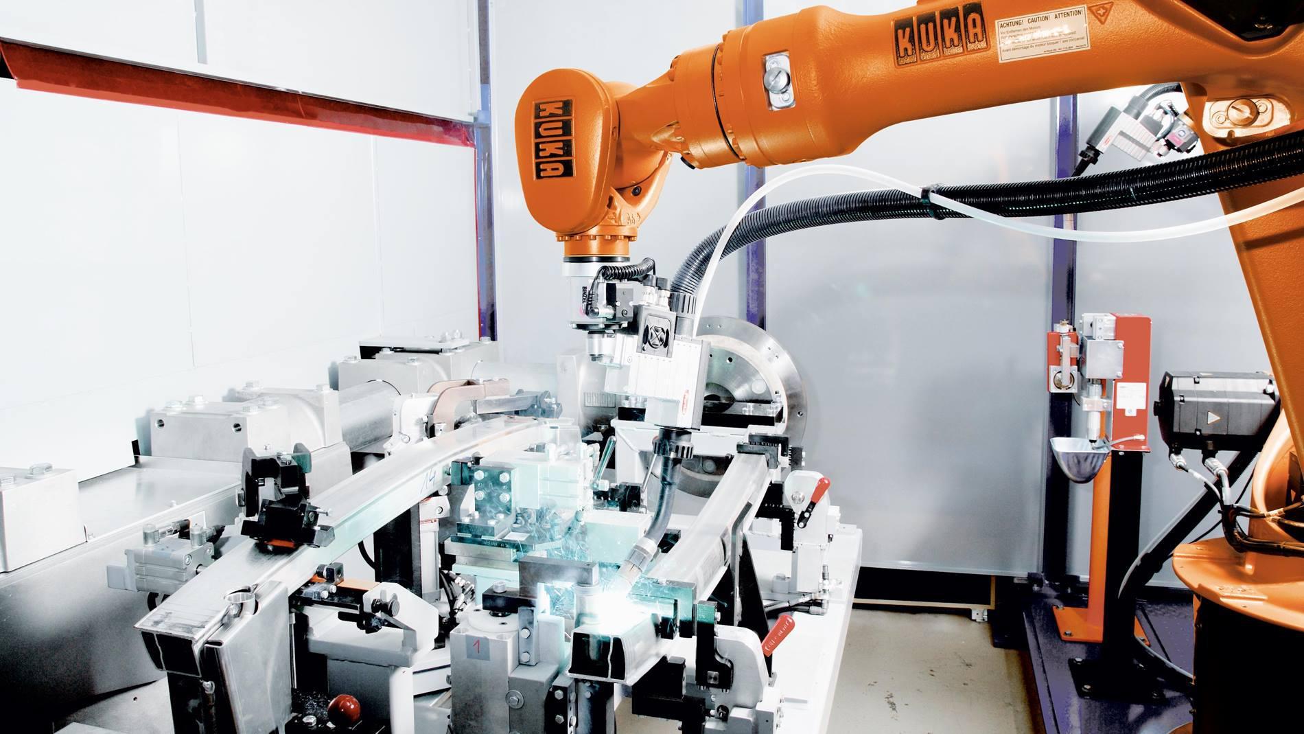 Roboty i oprogramowanie spawalnicze KUKA