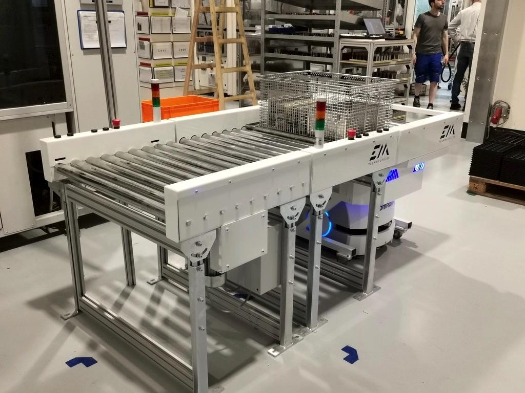 Fabryka Philips robot AMR OMRON