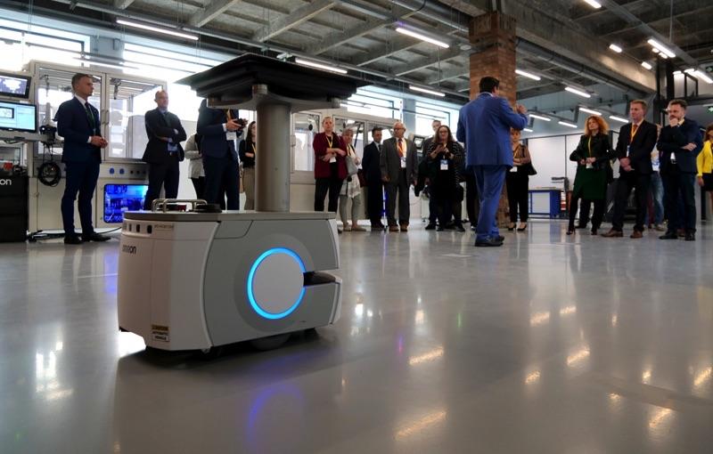 omron robot mobilny