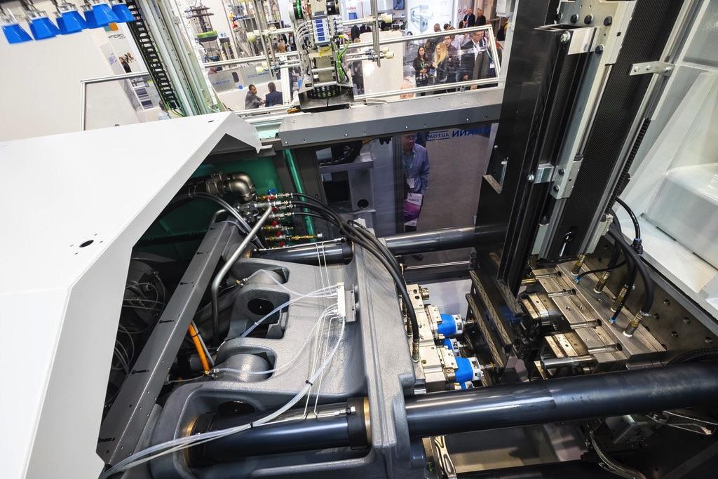 Rozwiązania SEW-Eurodrive i wtryskarki w Ilsemann
